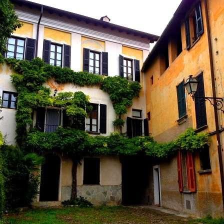 Castello, Valsolda sul lago di Lugano
