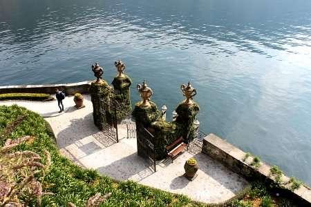 ingresso a lago di villa balbainello