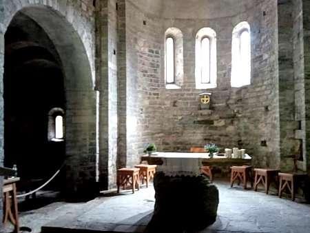interno chiesa san benedetto