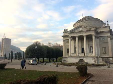 tempio voltiano esterno