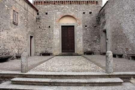 chiesa a castello frazione di Menaggio