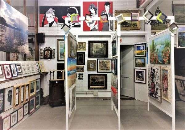 galleria Tettamanti a Menaggio cornici e quadri