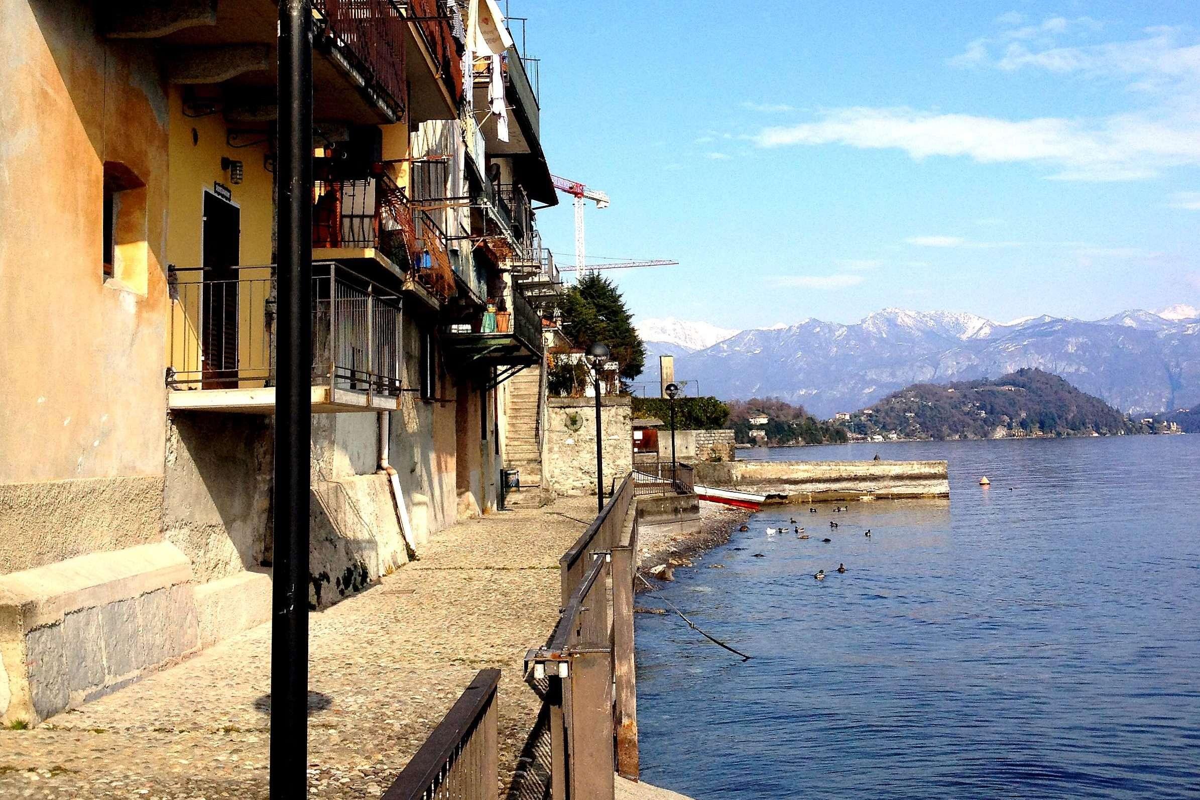 passeggiata a lago a Colonno, lago di Como
